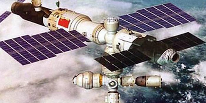 Chinese-space-station-crashing-to-earth-700x350