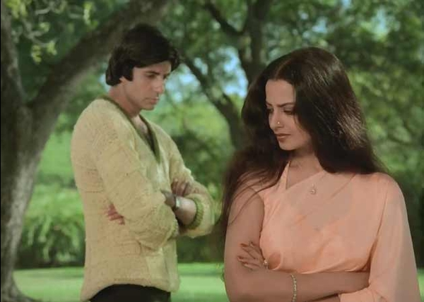 Rekha wanted Amitabh with his life, openly revealed this secret